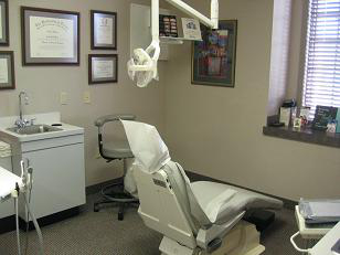 Lakeside Dental patient room